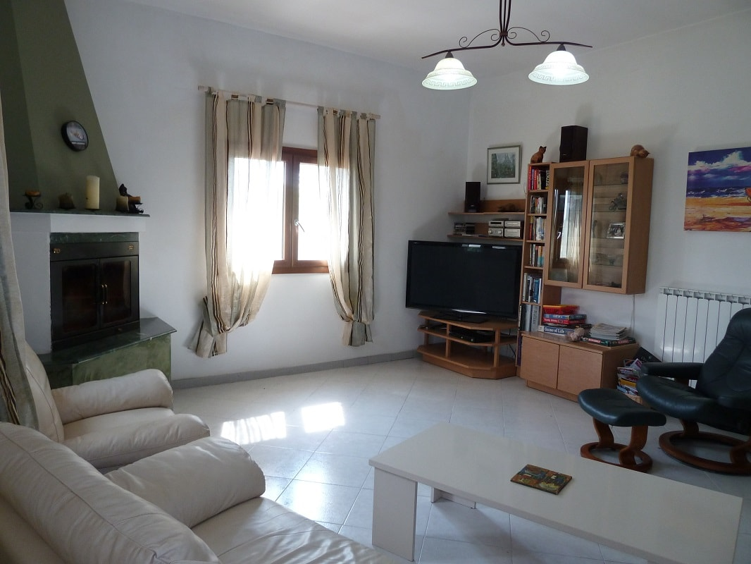italy villa with pool 3 bed sleeps 8 in puglia