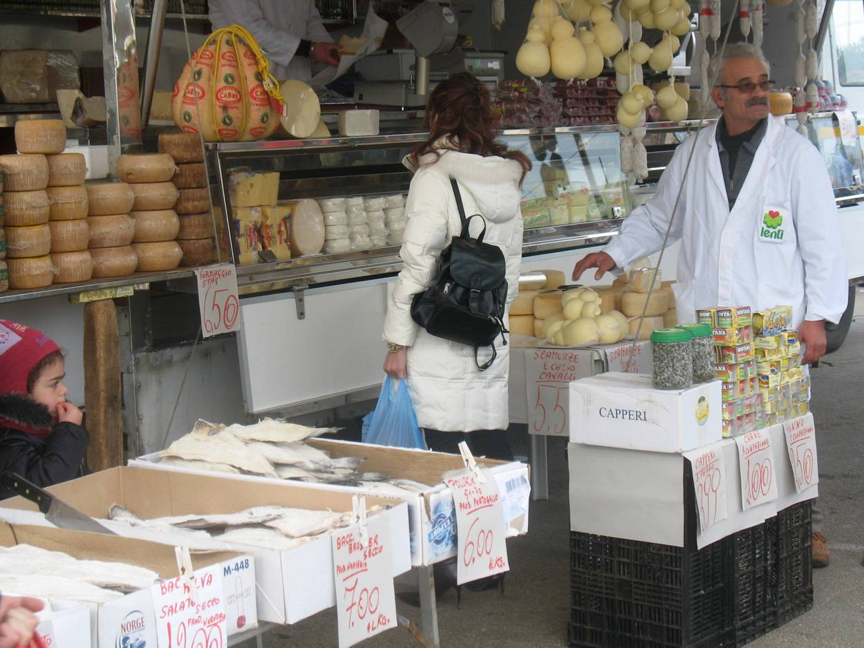 Great cheese and cold meats - Casalabate Market - Discover Puglia