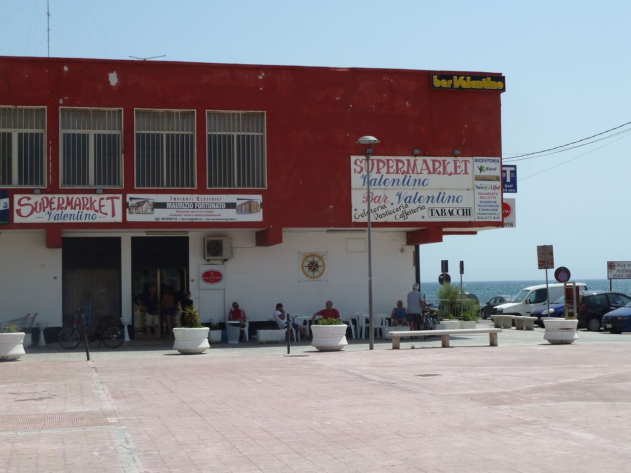 Casalabate supermarkets and other places to shop - Discover Puglia