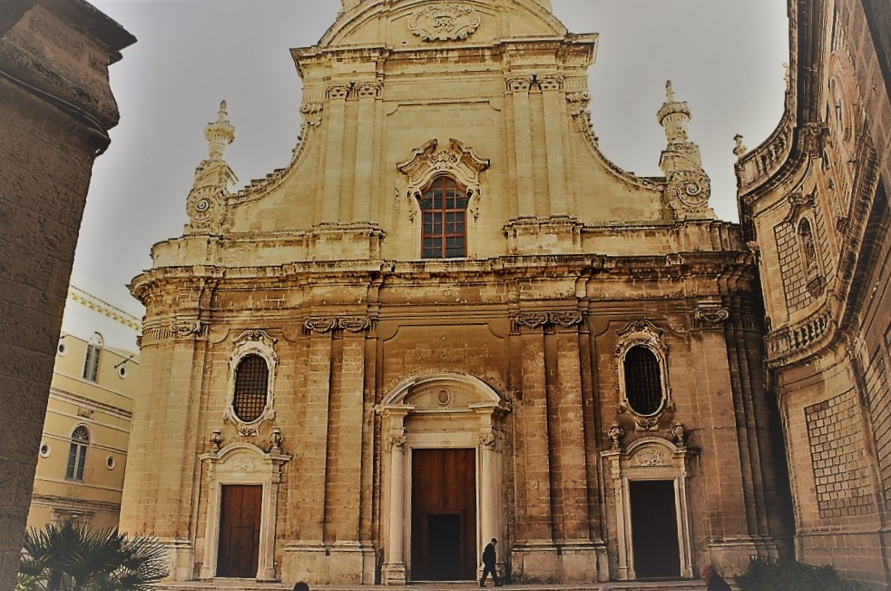 Monopoli - medieval city by the sea - Discover Puglia with us