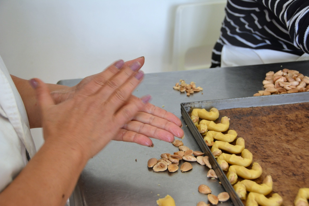 Making Tornelli at the Biscuit Factory - Discover Puglia